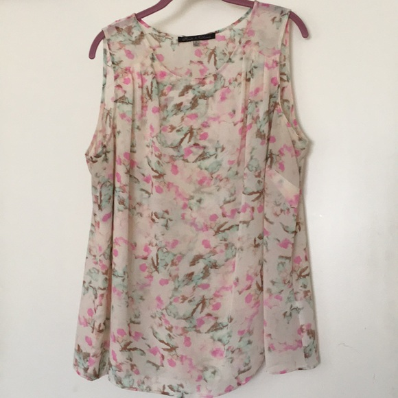 426ac320c34e7 Rose   Olive Watercolor Floral Sheer Tank. M 5ae4d6e63afbbd1f34dfe3f8